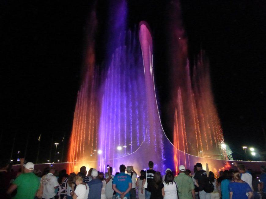 Олимпийский фонтан. Обалденное зрелище!