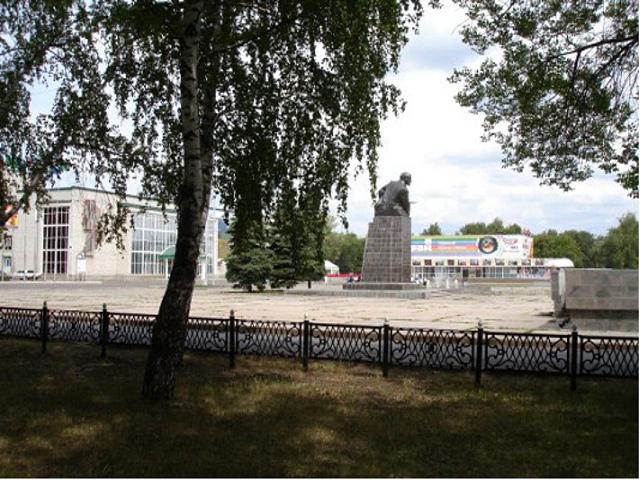 Стерлимак. Памятник Ленину