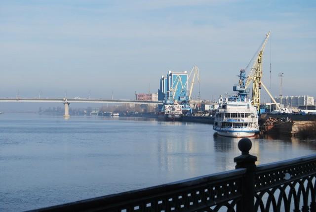 Астрахань. Речной порт и мост через Волгу