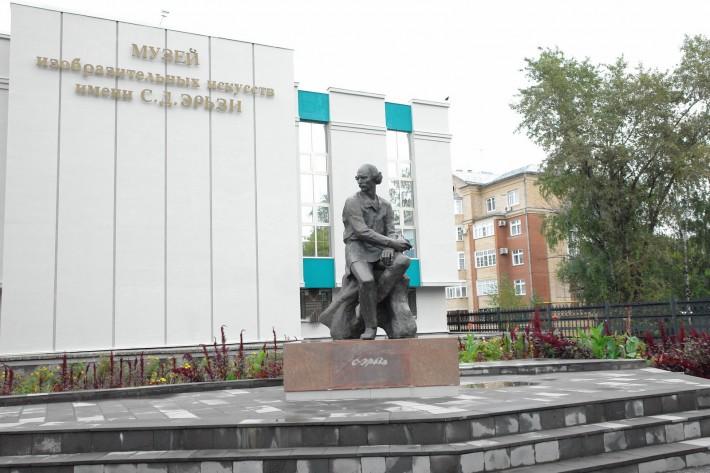 Скульптура Степана Эрьзи