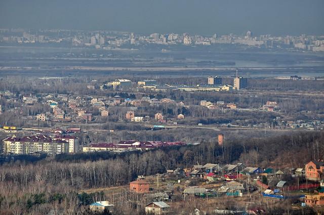 Типичный район города - хорошо видно из какого разношерстного жилья он состоит. Отсюда и скачки в ценах на жилье. Средняя цена - очень растяжимое понятие