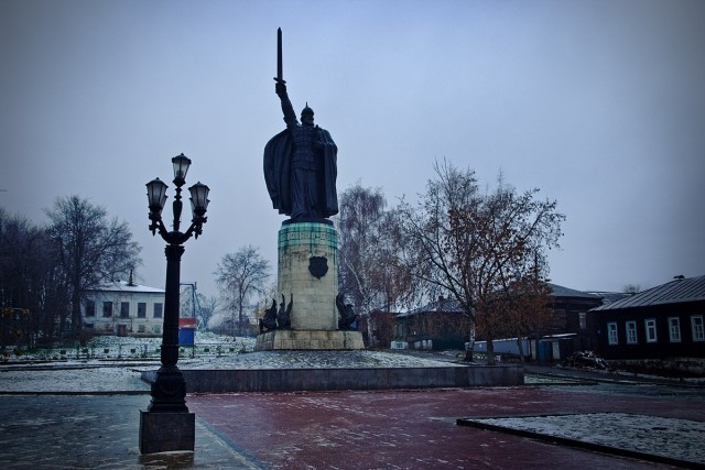 Монумент Илья Муромец