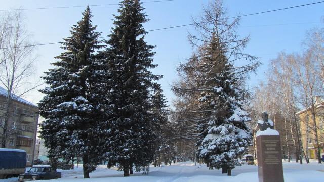 Обнинск. Аллея на ул. Победы