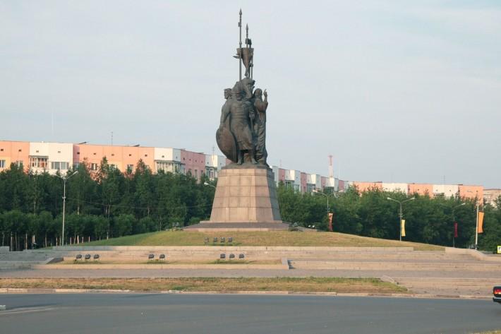 Сургут. Памятник основателям Сибири