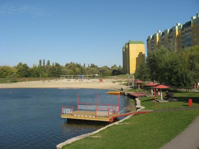 Пляж на озере Ермошкино