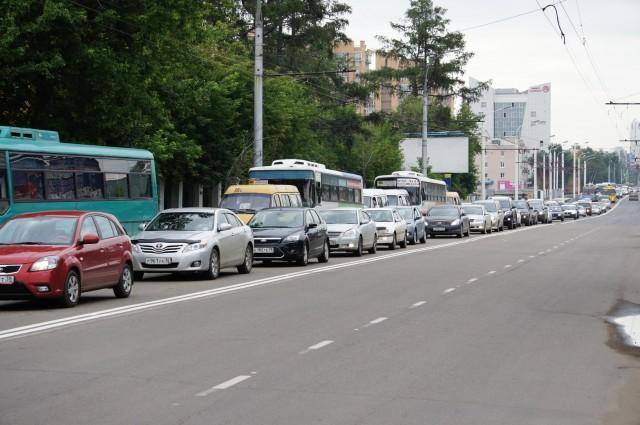 Пробка на улице Байкальской в Иркутске