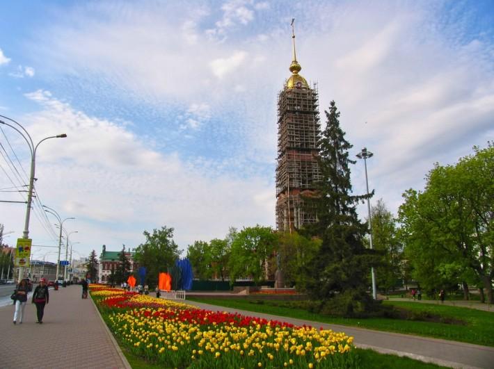 Тамбов. Сквер З.Космодемьянской и колокольня Казанского монастыря
