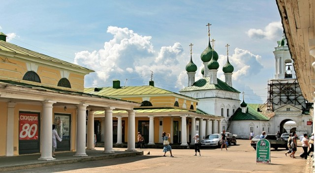 Кострома. Торговые ряды вокруг рыночной площади