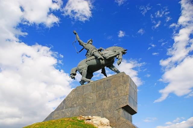Уфа. Памятник Салавату Юлаеву