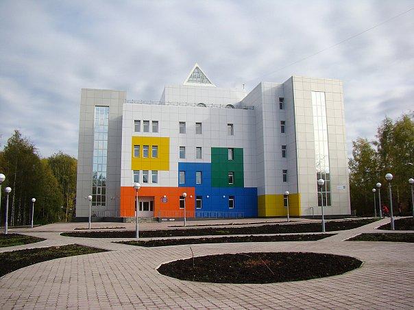 Детская школа искусств (хореографическое и художественное отделение)