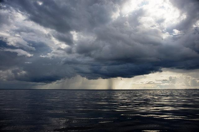 Шквал на Рыбинском море