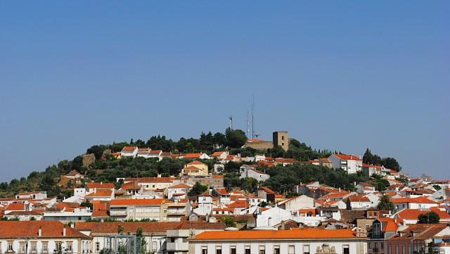 Исторический центр города Каштелу Бранку (Castelo Branco ― буквальный перевод: Башня (Замок) Белый), который является административным центром одноимённого округа Португалии