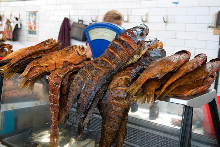 На рыбном рынке Астрахани