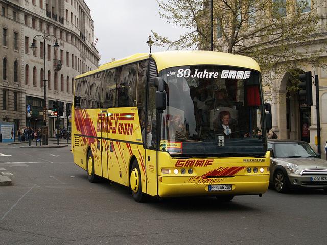 Туристический автобус