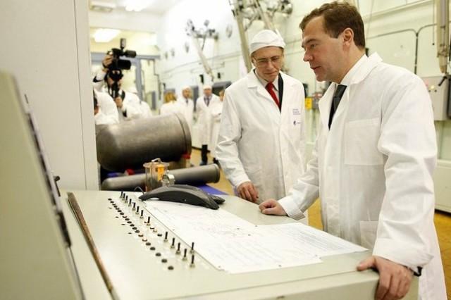 Президент за пультом ядерного реактора
