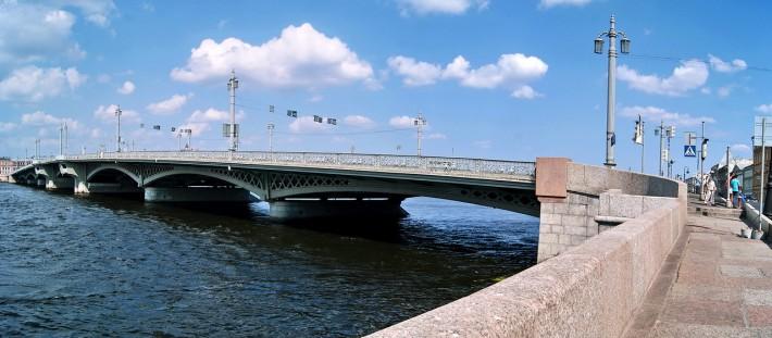 Благовещенский мост (бывш. мост лейтенанта Шмидта)
