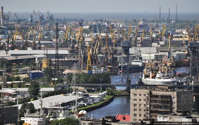 Рыбный и торговый порты