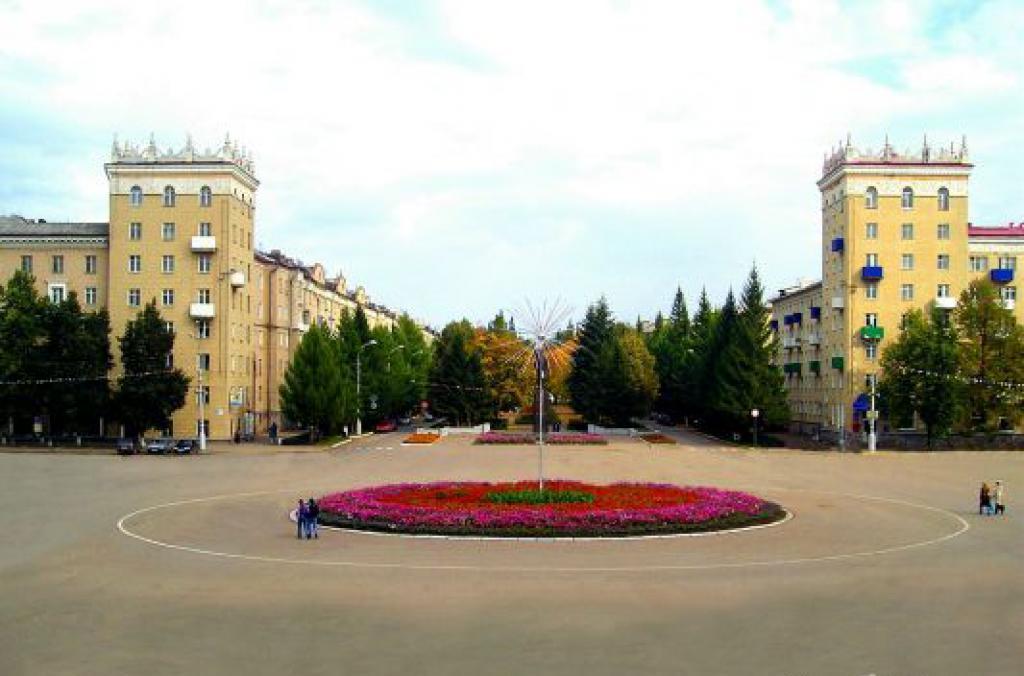 Октябрьский. Центр. Площадь Ленина