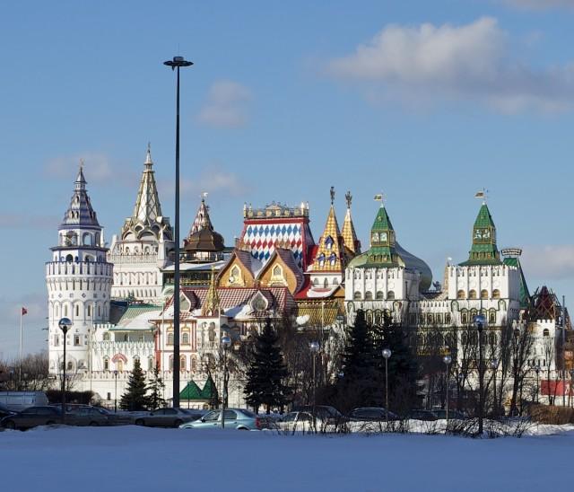 Измайловский кремль больше похож на декорацию к сказке о царе Салтане