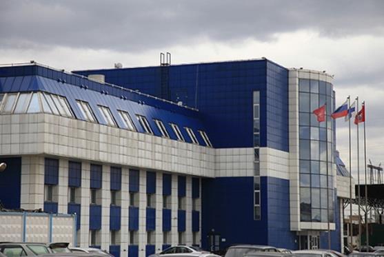 Главное здание КампоМос впечатляет