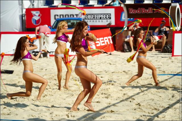 Соревнования по пляжному волейболу на Поклонной горе