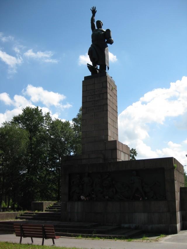 Кладбище 9 января