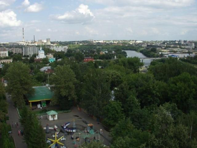 Город зелен, но трубы все равно проглядывают