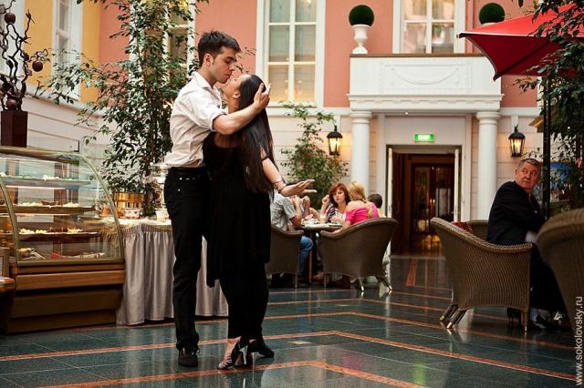 Танцоры работают для жителей г. Санкт-Петербург