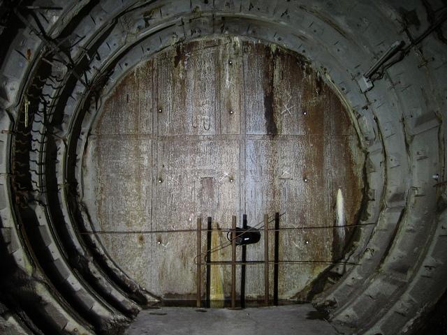 Усмиренный размыв. За пробкой – тот самый отрезанный туннель.