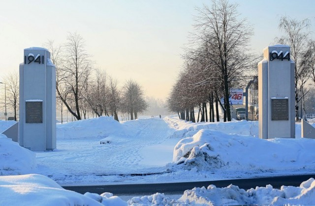 Памятник Защитникам Ленинграда на Аллее Славы Красносельского района