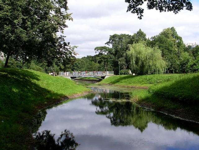 Таврический сад - образец садово-паркового искусства в английском стиле