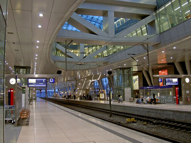 Железная дорога во Франкфуртском аэропорте