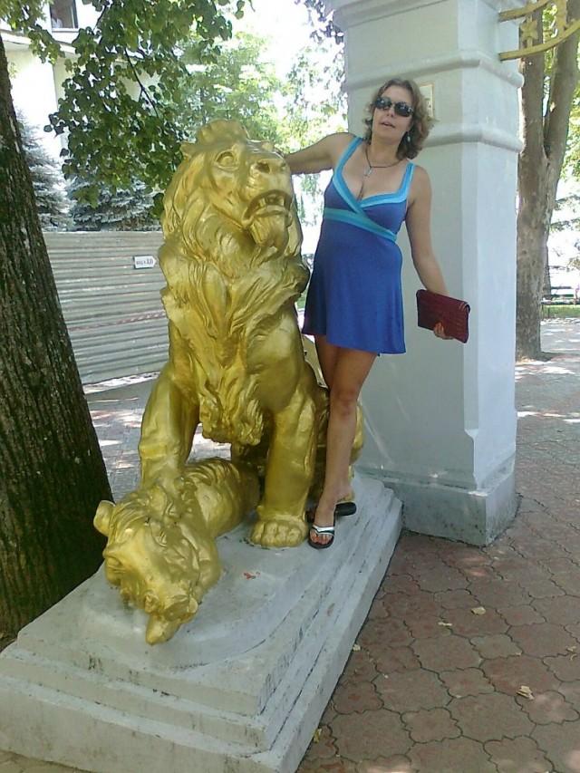 Арка со львами в Курортном парке (их там два, но второй, к сожалению, в кадр не попал)