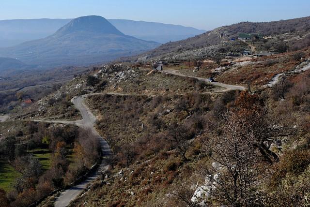 Это ещё не самая витиеватая черногорская автотрасса...