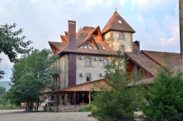 Кафе Старый Замок в Горячем ключе
