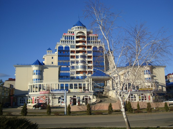 Жилой дом у администрации города