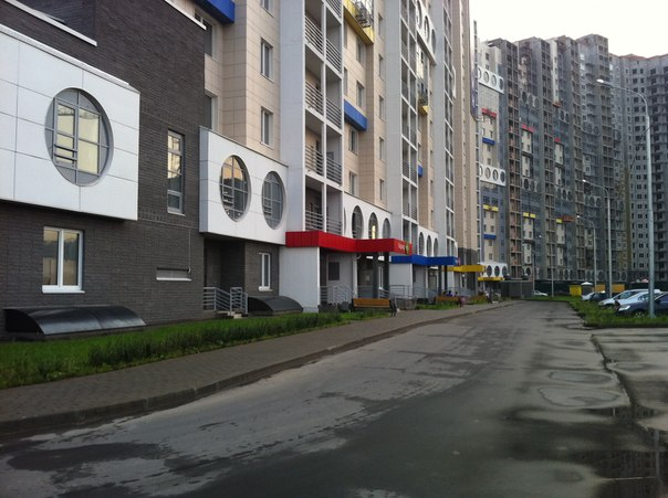 Свежеиспеченные высотки на Красногорском бульваре (мкр. «Спасский мост)