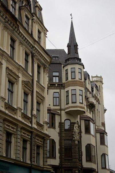 Одна из центральных улиц Риги