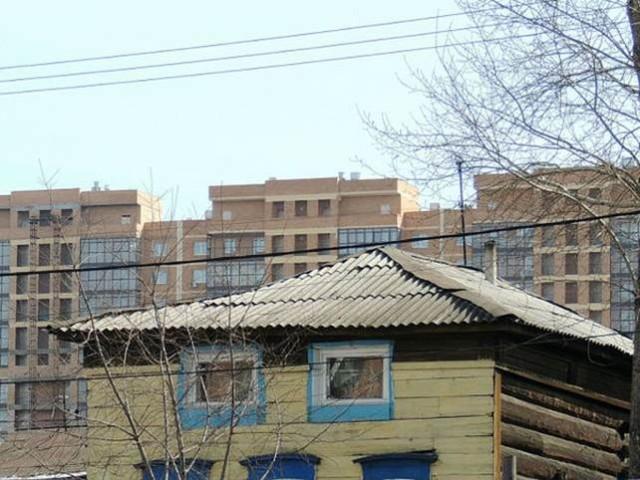Старые дома на центральных улицах