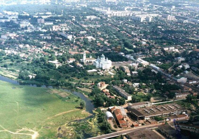 Панорама города, вид со стороны реки