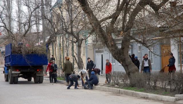 Субботник на улицах города