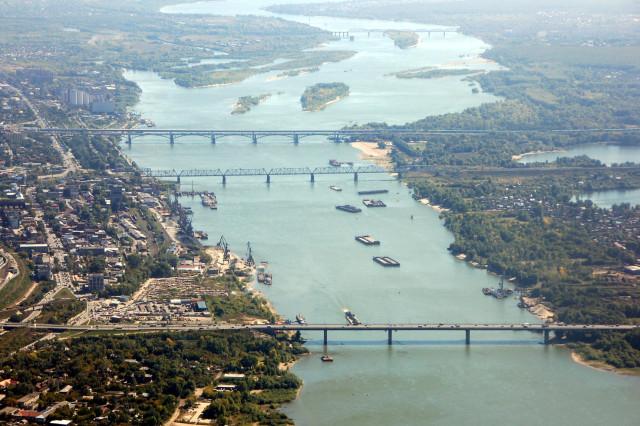 Новосибирские мосты. Самый дальний, через островок, - строящийся Оловозаводской (Бугринский) мост