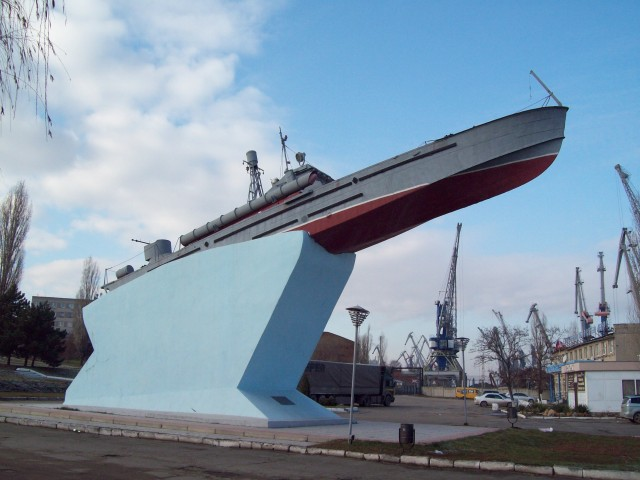 Торпедный катер в Азовском порту
