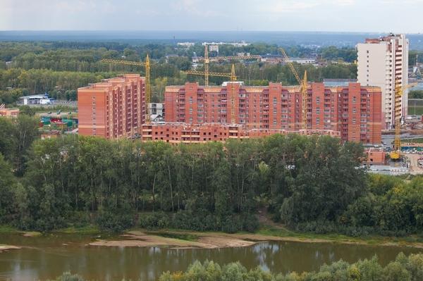 Строительство в Первомайке. Возможно, скоро этот район перестанет быть окраиной. Не все жители этим довольны