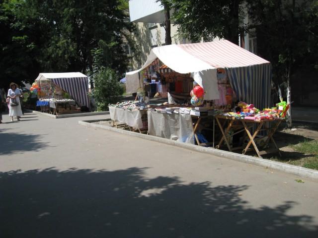 Торговые палатки по ул. Ленина