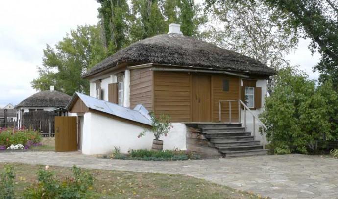 Домик в хуторе Кружилин, где родился Михаил Шолохов