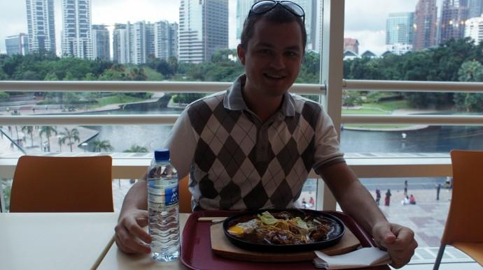 Бангкок на Екатеринбург менять я пока не намерен. И тепло и кормят вкусно