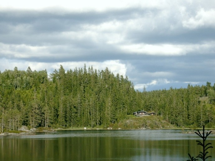 Хютте на озере
