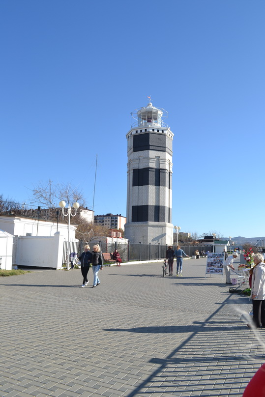 Анапа. Осень, маяк