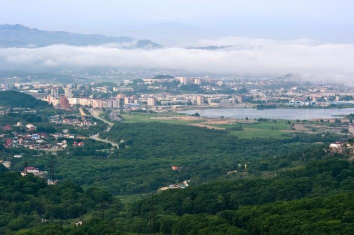 Вид на озеро «соленое» и район Мжк